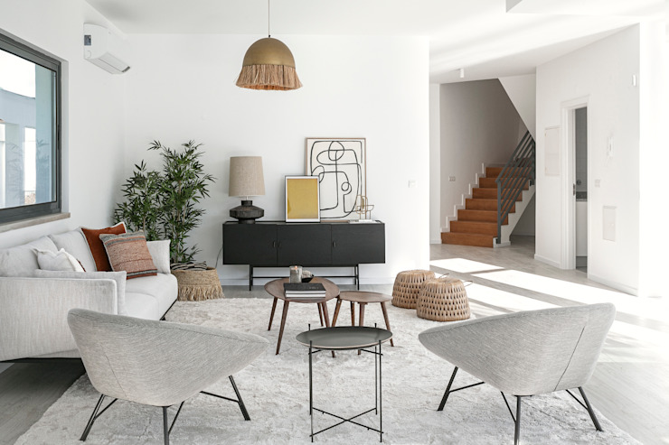 Staging Factory Modern dining room