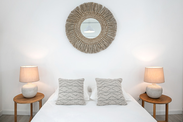 Staging Factory Modern style bedroom