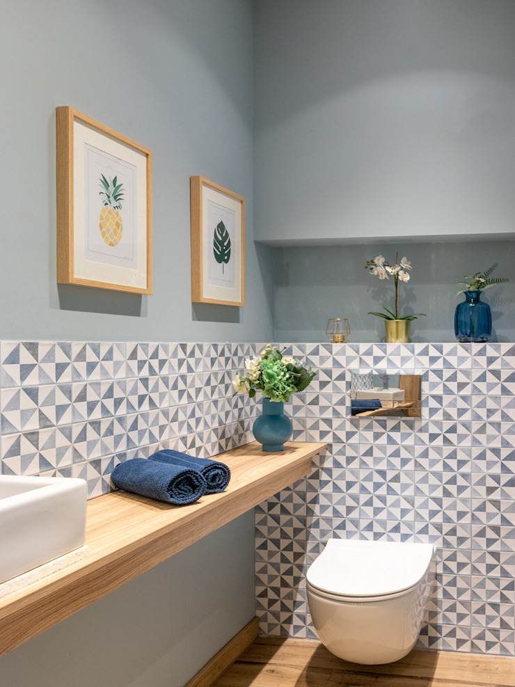 Studio4Design Modern bathroom Tiles Blue