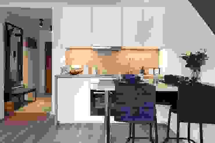 Studio4Design Modern kitchen Wood White
