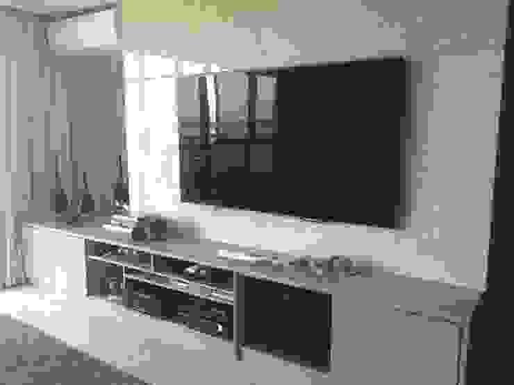 Sala de TV Aadna.Design Salas de multimédiaAcessórios e decoração