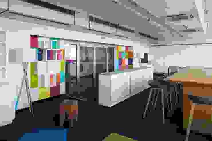 _WERKSTATT FÜR UNBESCHAFFBARES - Innenarchitektur aus Berlin Escritórios modernos