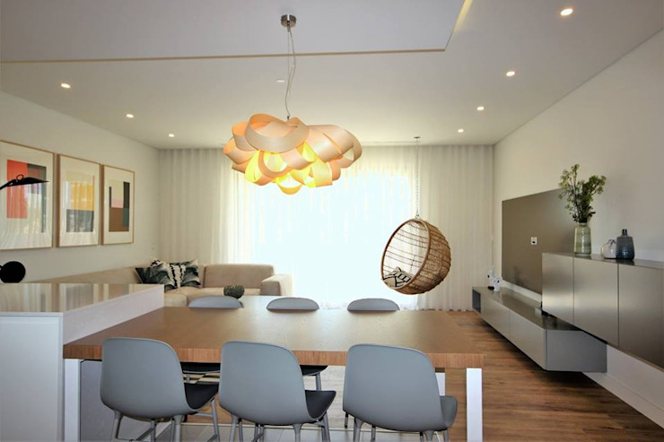 Propriété Générale International Real Estate Dining roomChairs & benches
