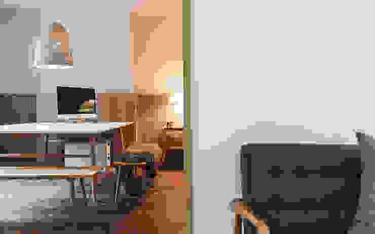 The WN Studio, Ashley Cross WN Interiors + WN Store Modern living room