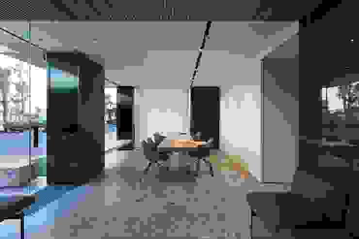 Mesa de atención al cliente Oficinas y tiendas de estilo moderno de MANUEL GARCÍA ASOCIADOS Moderno