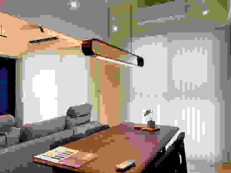 MSBT 幔室布緹 Oficinas de estilo minimalista Madera Acabado en madera