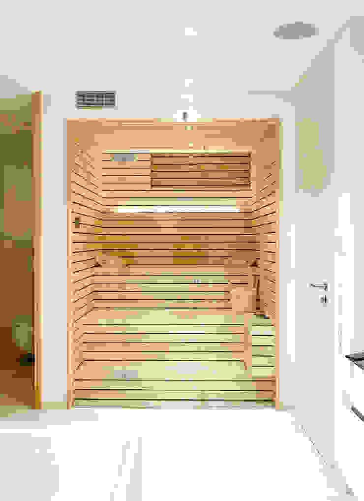 Designsauna im Badezimmer | KOERNER Saunamanufaktur KOERNER SAUNABAU GMBH Sauna