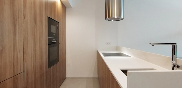 ARCHDESIGN LX Small kitchens Wood Wood effect