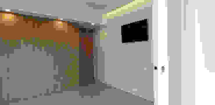 ARCHDESIGN LX Minimalist bedroom Wood Wood effect