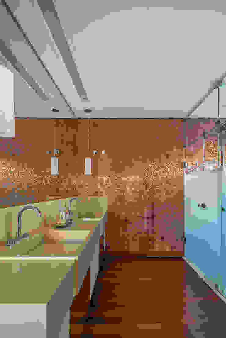 Spazhio Croce Interiores 衛浴浴缸與淋浴設備 玻璃 Beige