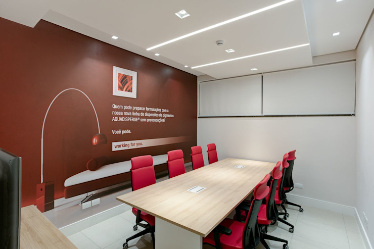Spazhio Croce Interiores Modern study/office Iron/Steel Red