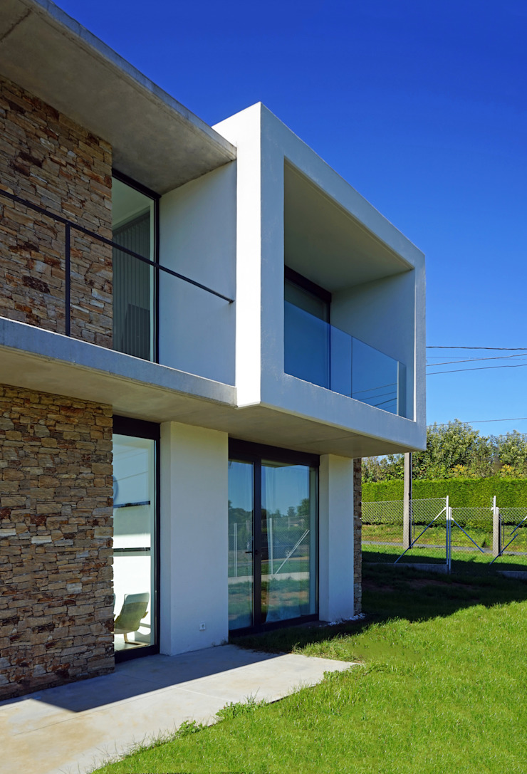 AD+ arquitectura Single family home Stone White