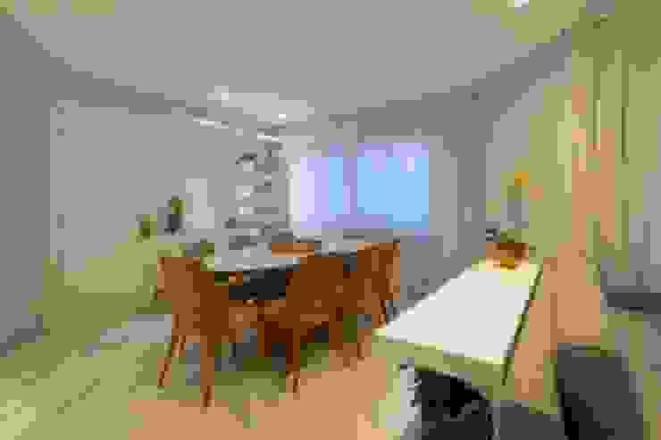 Spazhio Croce Interiores 餐廳桌子 木頭 Grey