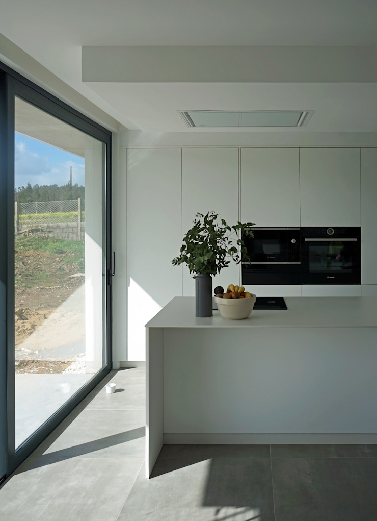 AD+ arquitectura Built-in kitchens Wood White