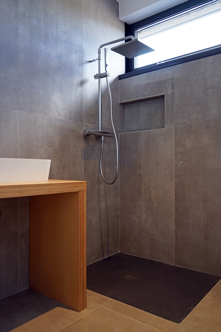 AD+ arquitectura Modern Bathroom Ceramic Grey