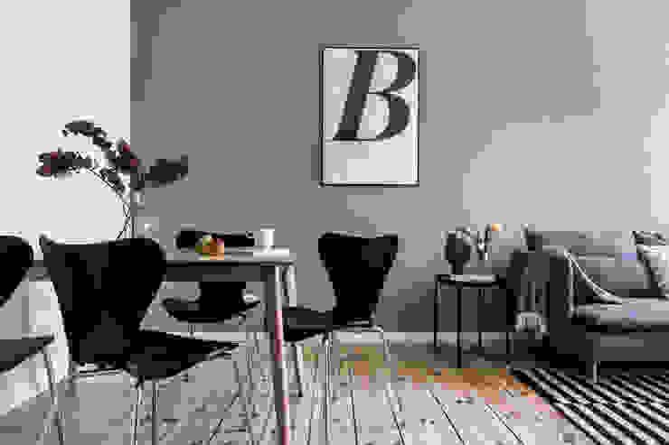 Private Flat_ Berlin Sala da pranzo in stile scandinavo di Giulia Maretti Studio Scandinavo