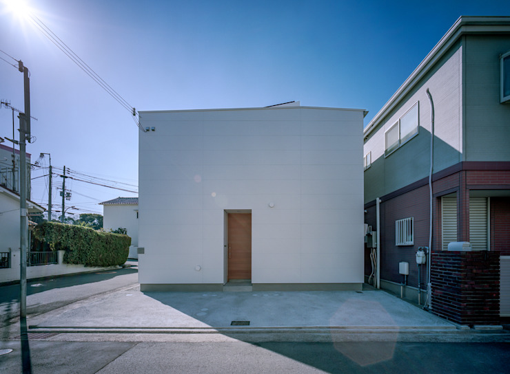 エントランス 藤原・室 建築設計事務所 モダンな 家 白色