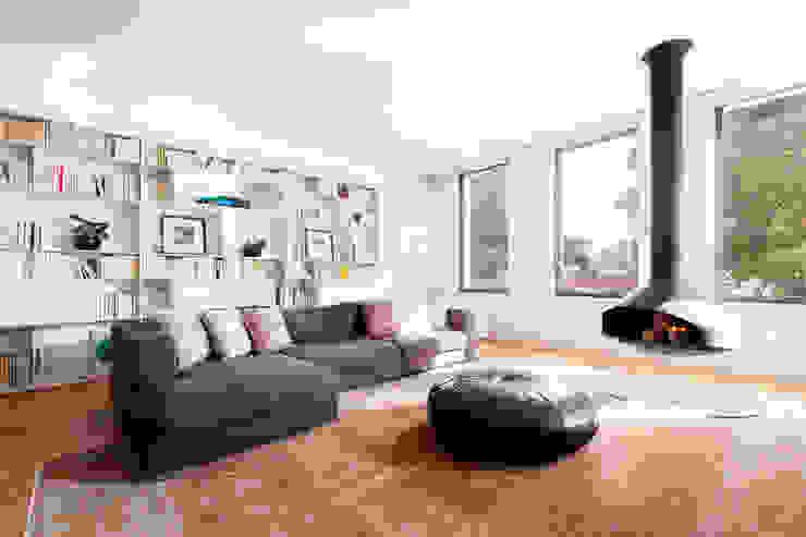 Hoost - Home Staging リビングルーム暖炉&アクセサリー