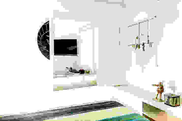 Raphael Civille Arquitetura Modern style bedroom