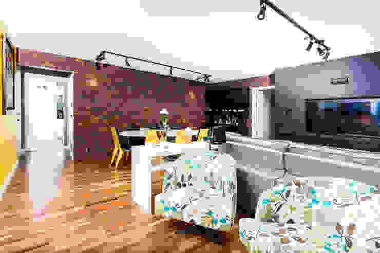 Raphael Civille Arquitetura Modern living room