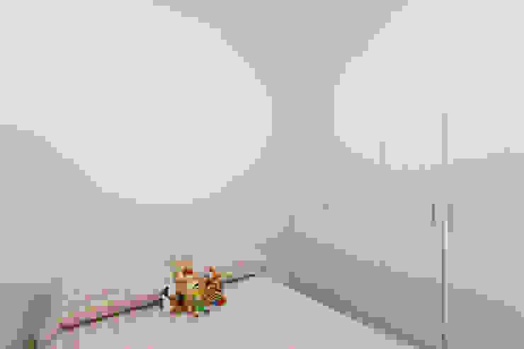 Raphael Civille Arquitetura Scandinavian style bedroom