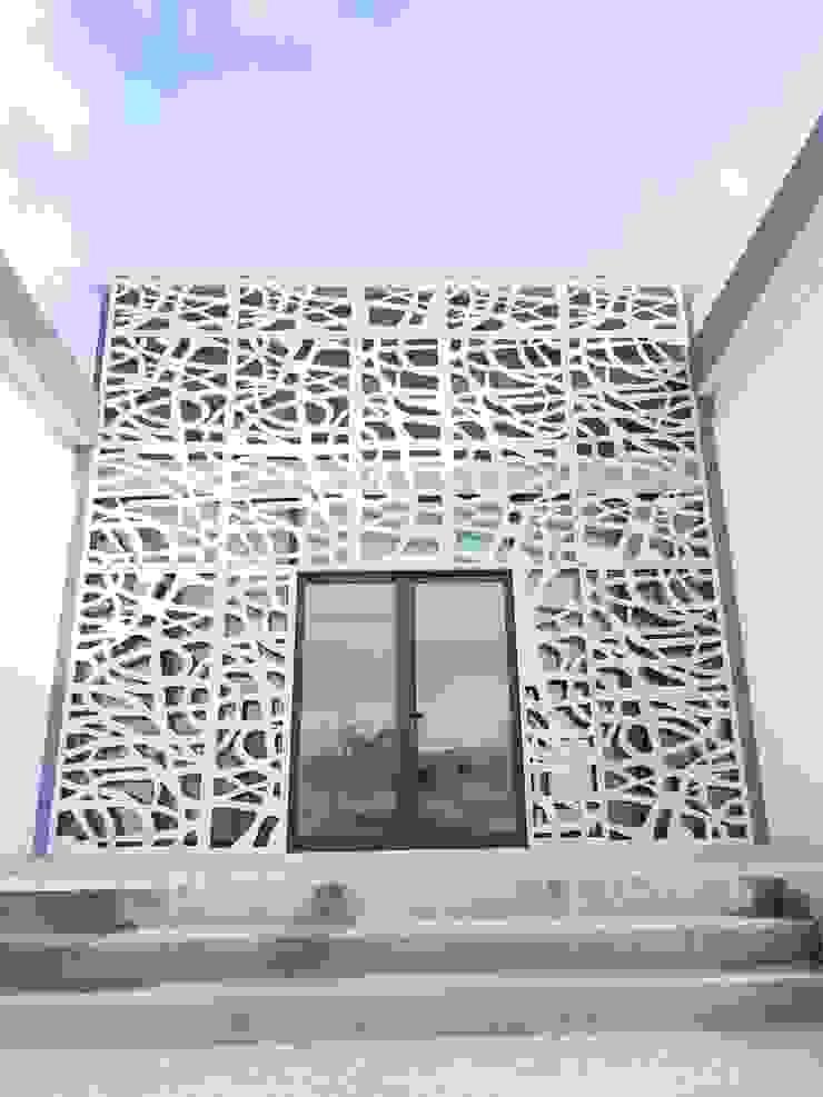 Merkalum Terrace house Aluminium/Zinc White
