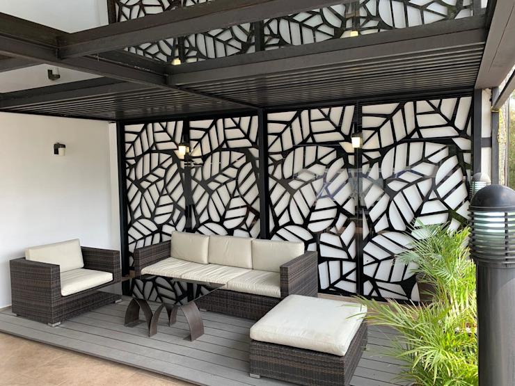 PANEL DE ALUMINIO Merkalum Balcones y terrazas de estilo moderno Aluminio/Cinc Negro