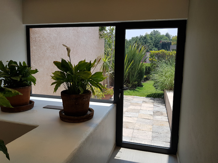 Merkalum uPVC windows Aluminium/Zinc Black
