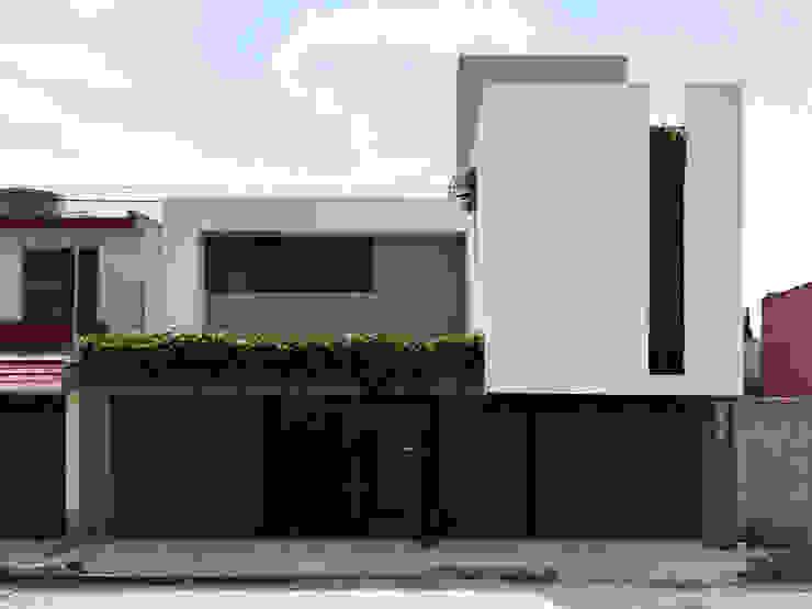 BAUHOF ARQUITECTURA Rumah Minimalis White