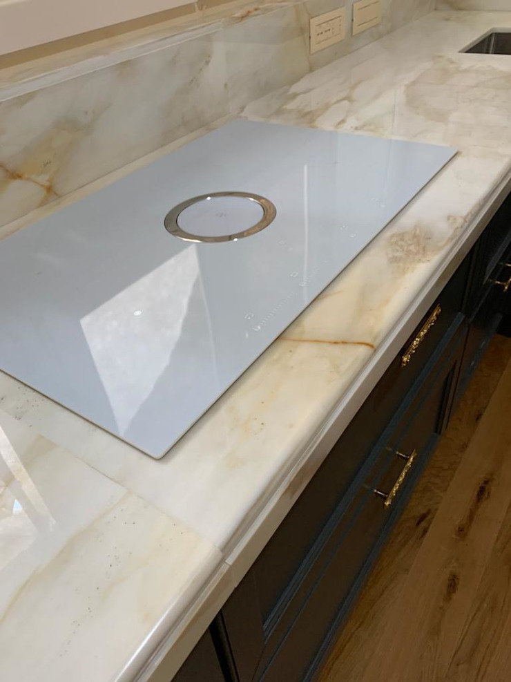 Falegnameria su misura KitchenElectronics Kaca White