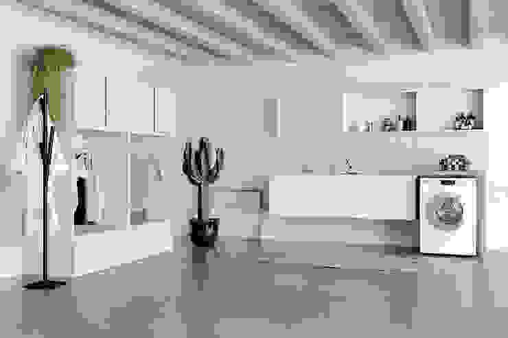 Lavanderia con porta abiti stirati TopArredi Bagno moderno