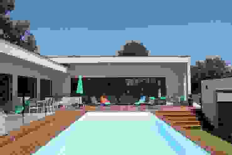 Villa contemporaine Aubais Brunel Architecture Piscine moderne