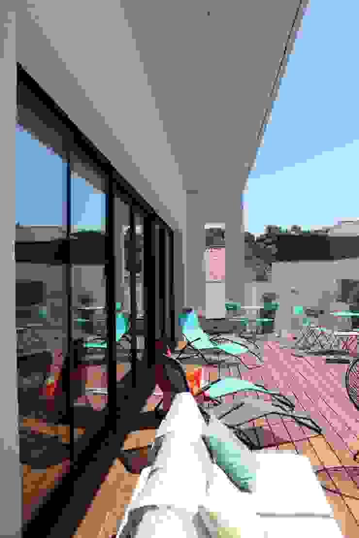 Villa contemporaine Aubais Brunel Architecture Fenêtres & Portes modernes