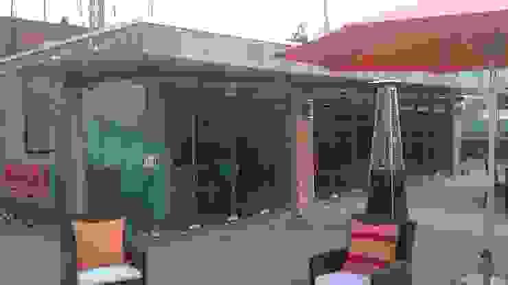 Sistema plegable Merkalum Balcones y terrazas de estilo moderno Vidrio Transparente