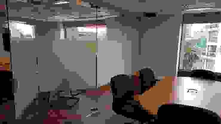 Sistema plegadizo Merkalum Estudios y despachos de estilo moderno Vidrio Transparente