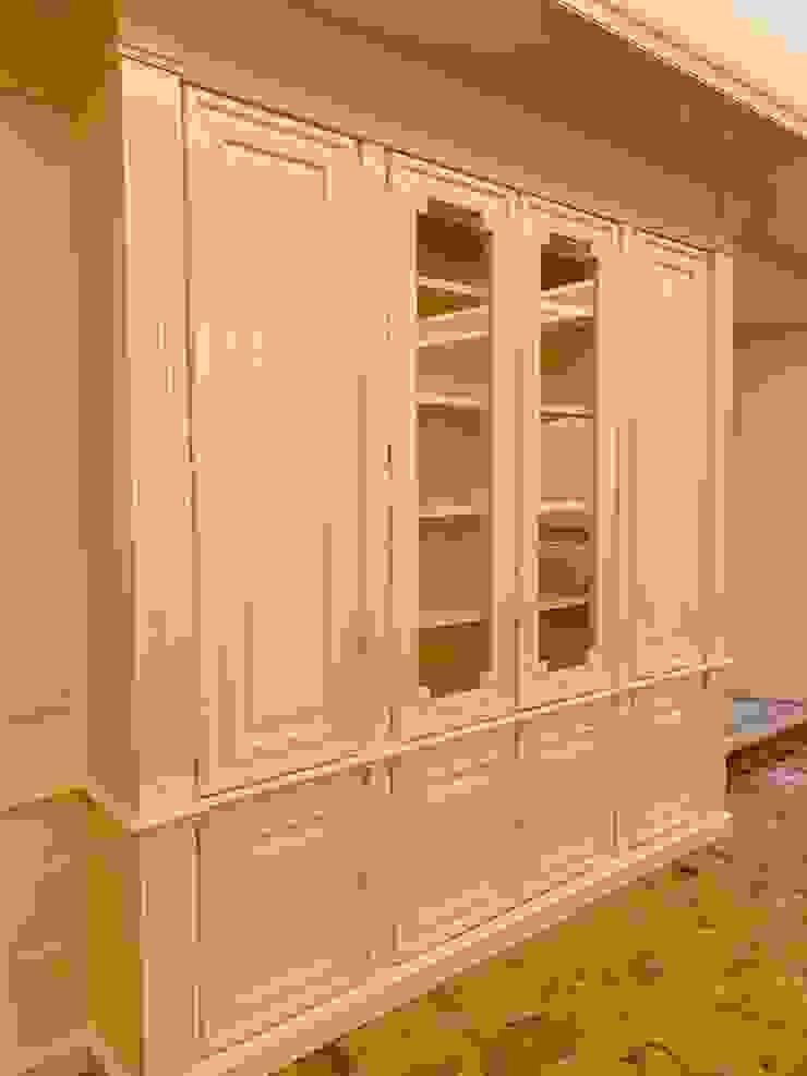 Falegnameria su misura Living roomCupboards & sideboards Kayu Beige