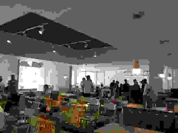 SIMETRIA INLUX Modern Dining Room