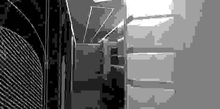 Interior Design Stefano Bergami Modern corridor, hallway & stairs