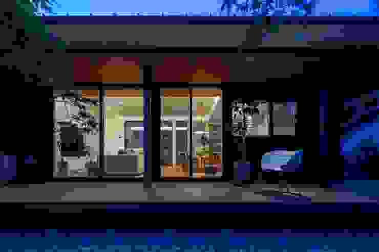 有限会社アルキプラス建築事務所 Casas de estilo asiático