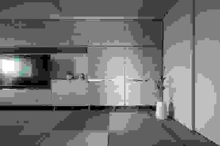 903 reform 有限会社アルキプラス建築事務所 ミニマルデザインの リビング
