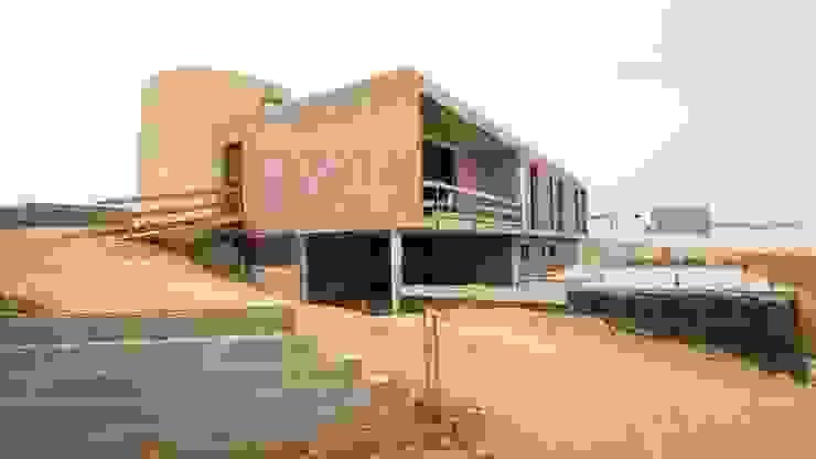 MA.TERIA. ARCHITECTURE SOLUTIONS Villa Batu Bata Grey
