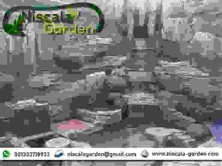 Desain Kolam Koi Klasik NISCALA GARDEN   Tukang Taman Surabaya Kantor & Toko Klasik