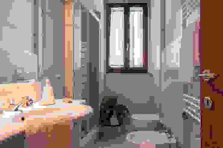 Foto BAGNO appartamento ristrutturato DOPO il nostro intervento, VENDUTO PROPERTY TALES Bagno in stile rustico