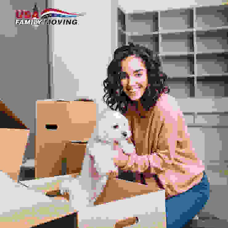 USA Family Moving & Storage Ruang Makan Gaya Country
