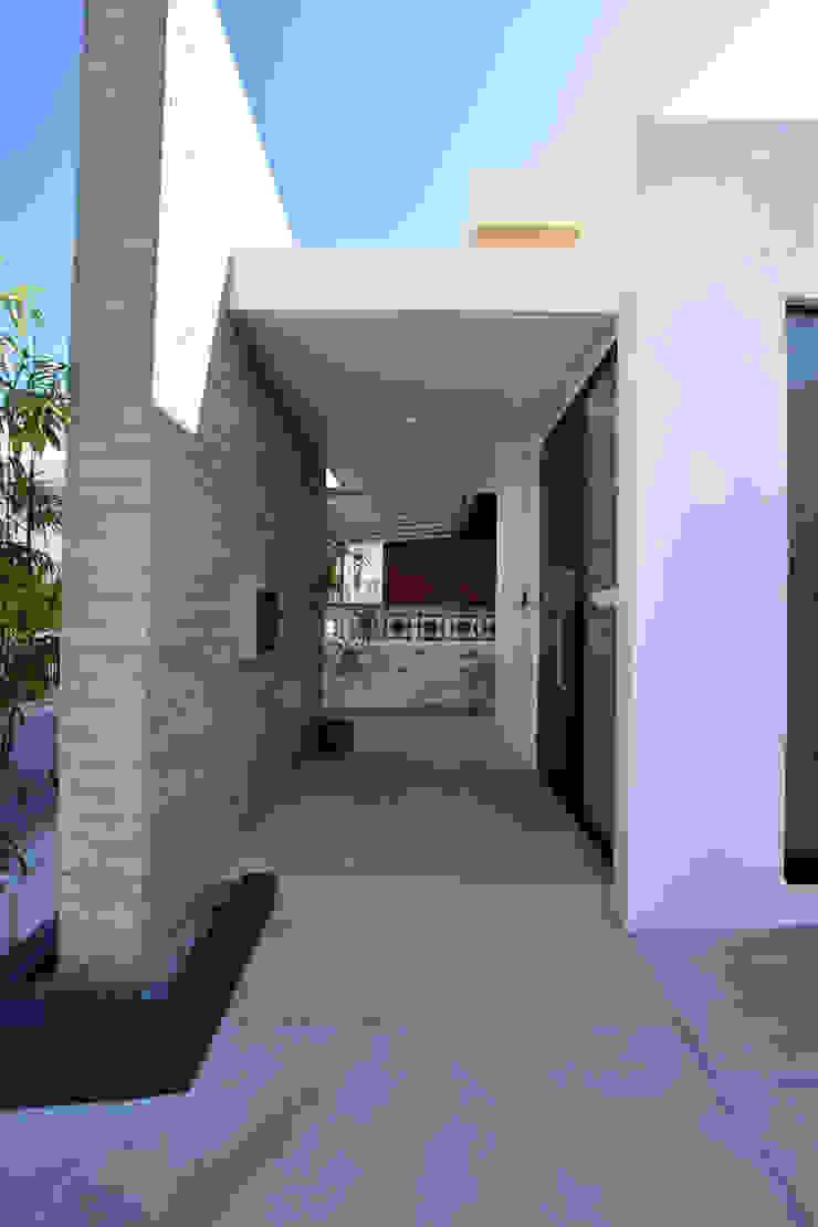 玄関ポーチ Style Create モダンスタイルの 玄関&廊下&階段