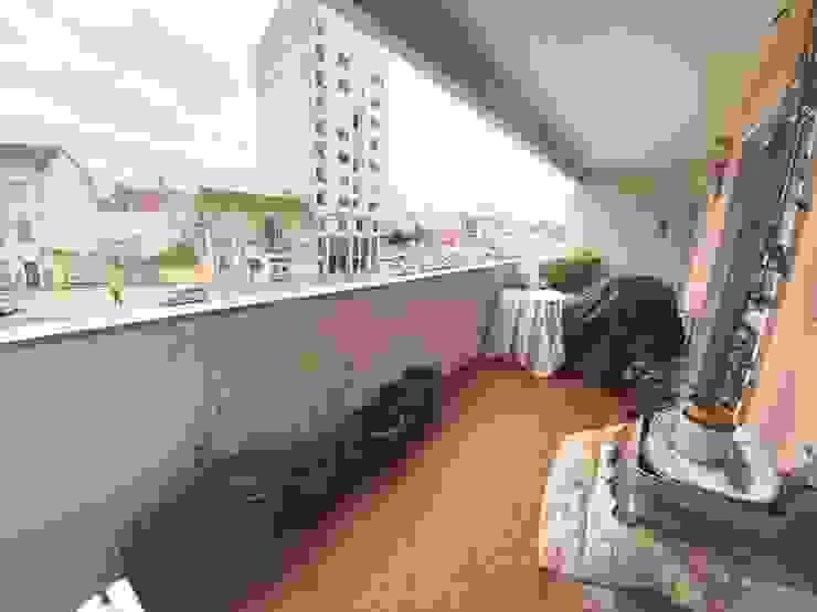 Rainhavip - Mediação Imobiliária, Lda. Classic style houses