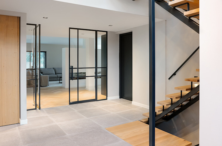 Entree MIRA Interieur & Meubelontwerp Moderne woonkamers Massief hout Wit