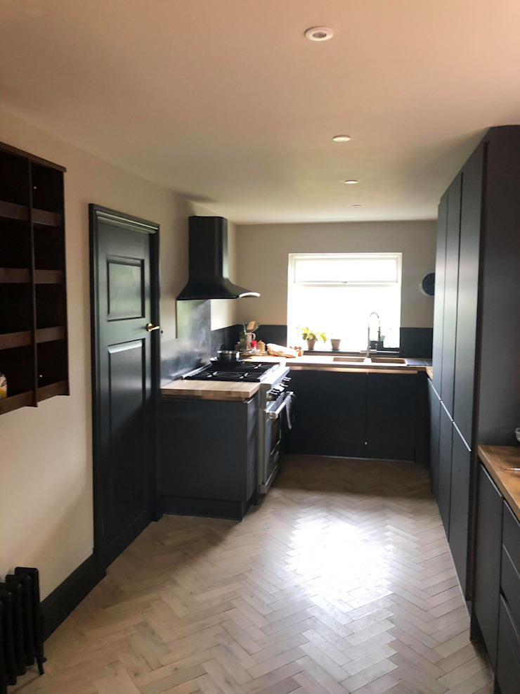 Brighton Contemporary Rear Extension STAAC Kitchen units Wood Black