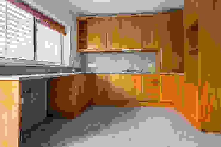 Janine Martins - Consultora Imobiliária | Arquitecta | Home Staging Dapur Modern