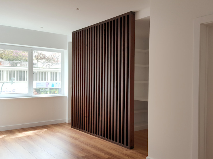 ARCHDESIGN LX Modern style bedroom Solid Wood Wood effect